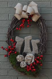 Decorate Christmas Grapevine Wreaths by 144 Best Christmas Wreaths Images On Pinterest Christmas Ideas