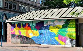 frugal foodie mama how to spend 24 hours in portland oregon you can find colorful painted murals on the walls of buildings and structures all over the