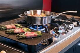 What Is An Induction Cooktop Stove The Difference Between Gas Electric And Induction Cooktops