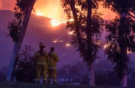 Why Are Flags At Half Mast Today In California Thomas Fire California Firefighter Killed Responding To Historic