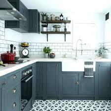 cuisine repeinte en gris cuisine a en ancienne repeinte gris idées pour la maison