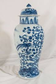 Blue And White Vases Antique Antique Chinese Porcelain Blue And White Vase At 1stdibs