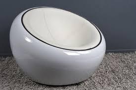 fauteuil simili cuir blanc fauteuil boule design rond blanc fauteuil design boule