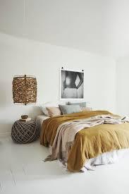 jaune moutarde n u0027est pas jaune curry bedrooms monochromatic