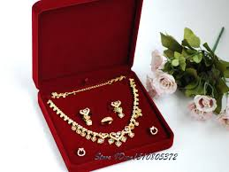 necklace set box images High quality red velvet jewelry set box necklace packaging box jpg