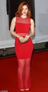 brit awards 2014 ellie goulding has princess moment on red carpet