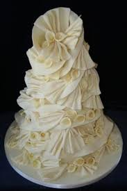 melanie ferris cakes news helterskelter wedding cake with calla