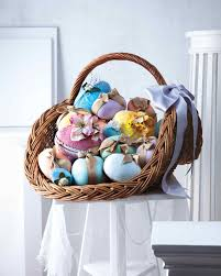 Decorating Easter Eggs Martha Stewart by Martha U0027s Stunning Easter Basket Creations Martha Stewart
