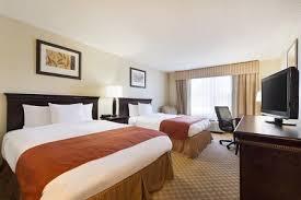 hotels with 2 bedroom suites in savannah ga hotels in midtown savannah ga country inn suites