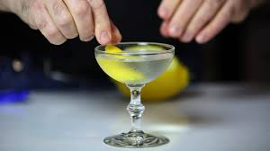 martini champagne martini recipe how to make the classic cocktail the seattle times