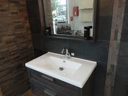 carrelage noir brillant salle de bain carrelages roger spécialiste du carrelage univers bain roger
