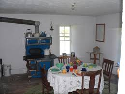 file dowse sod house interior kitchen face ne jpg wikimedia commons