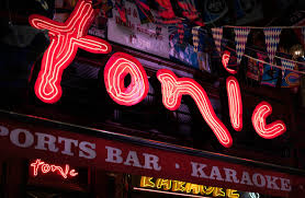 tonic bars times square restaurant u0026 sports bar u0026 karaoke new