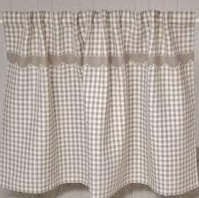 rideaux pour cuisine rideau sous plan de travail de cuisine style cagne chez cosy déco