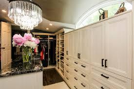 Schlafzimmer Mit Begehbarem Kleiderschrank 67 Reach In Und Begehbare Schlafzimmer Schrank Storage Systeme
