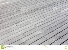 bodenbelã ge fã r balkon bodenbelag terasse der ideale bodenbelag beim umbau terrasse