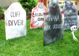 Cute Halloween Yard Stakes by Diy Funny Halloween Tombstones