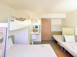 chambre d hotel pour 5 personnes hotel pas cher issoire ibis budget issoire