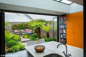 Small Urban Garden - modern garden design ideas to try in small gardens dfeeeda