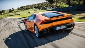 Lamborghini Huracan Back View - question about a glass engine cover
