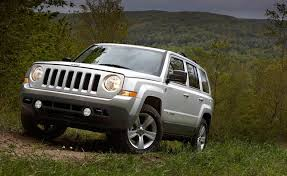 jeep patriot probed by nhtsa for stalling complaints autoguide