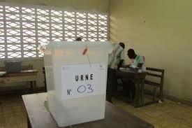 ouverture bureau de vote présidentielle ivoirienne la pluie s invite à l ouverture du