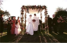 wedding chuppah 15 ideas for a fabulous floral chuppah wedding canopy