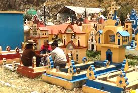 cerro de pasco noticias de cerro de pasco diario correo pasco en cementerio de ninaca sorprende creatividad de lápidas y