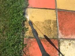 How To Clean A Concrete Patio by How To Clean Paving Slabs Youtube