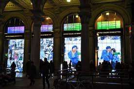 digital window benetton s live window displays vogue it