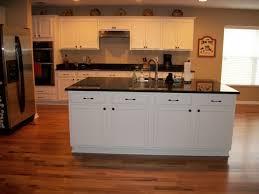 white kitchen cabinets lowes install kitchen cabinet crown moulding white kitchen cabinets