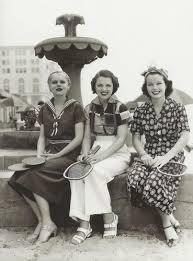 what did women wear in the 1930s