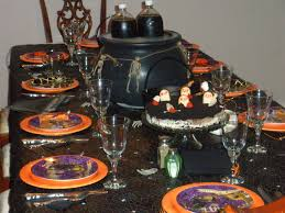 fun halloween dinner table decor toolson robledos loversiq