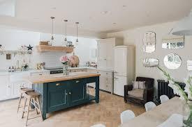 plan de cuisine ouverte sur salle à manger 1001 idées pour aménager une cuisine ouverte dans l air du temps