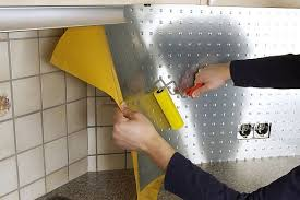 küche neu gestalten küche aufpeppen alte möbel neu in szene setzen leisten outlet