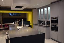 showroom cuisine tirtiaux intérieur