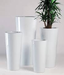 vaso resina bianco vaso ilie laccato in resina vasi da giardino moderni e new age