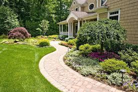 Sloped Front Yard Landscaping Ideas - landscape small sloped front yard best 25 small front gardens