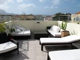 Loungemobel Garten Modern Terrace Design On The Rooftop Home With Table And Chair Colored
