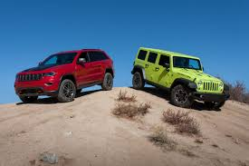 jeep grand cherokee trailhawk off road ultimate jeep head to head wrangler rubicon versus grand cherokee