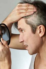 looking with grey hair covering grey hair with henna morrocco method