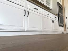 kitchen cabinet refinishing contractors cabinet refinishing finish professional painting
