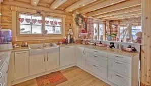 cuisine chalet montagne cuisine chalet montagne honka la maison en kit en bois massif