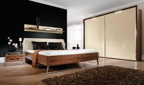 Wandfarbe Schlafzimmer Graues Bett Funvit Com Graue Schräge Mit Bett