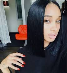 long black hair with part in the middle the hottest celebrity hair trend centre part bob