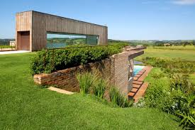 Rugged Landscape Modern Weekend Retreat Welcomed The Rugged Landscape In Its Design
