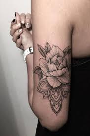 tatouage bracelet avant bras les 25 meilleures idées de la catégorie modèle de tatouage loup