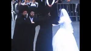 his and wedding rebbe s wedding with causes a stir the times of