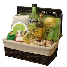 gift baskets online best 25 gift baskets ideas on gifts