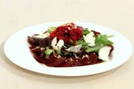 comment cuisiner la betterave crue recette de betteraves crues et cuites en salade facile et rapide